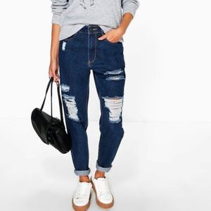 NWT Boohoo High Rise Ripped Mom Jeans Size US 8